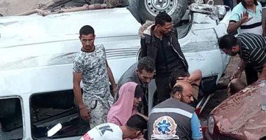 صورة مصرع سيدة وإصابة 7 أشخاص فى حادث انقلاب ميكروباص من أعلى دائرى الخصوص .. صور