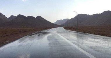سقوط أمطار بالكيلو 75 في نطاق محافظة المنيا