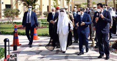 الرئيس السيسى والوفد السعودى يلتقطون صورة تذكارية داخل جامعة الملك سلمان