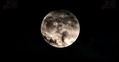إقلاع مركبة فضائية صينية من على سطح القمر بعد جمع عينات منه