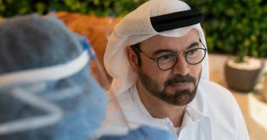 وزير شؤون مجلس الوزراء الإماراتى يتلقى لقاح فيروس كورونا
