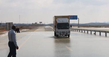 فتح طريق نخل النقب بوسط سيناء بعد إغلاقه 12 ساعة بسبب الطقس السيئ