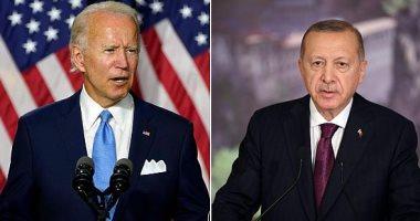 لوموند: علاقات تركيا و بايدن حادة والأحداث تدفع أردوغان لتغيير سياسة أنقرة