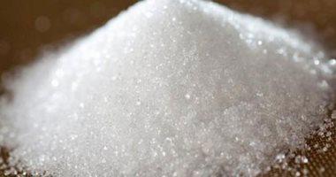 مصادرة 5.6 طن سكر مجهولة المصدر داخل مصنع بالمرج