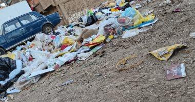 شكوى من انتشار القمامة في شارع الصرف بسوهاج.. رئيس المدينة يستجيب.. صور