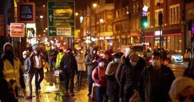 """التجار وملاك المطاعم والبارات فى بريطانيا يرفضون """"شهادات كورونا"""""""