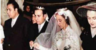 """""""جارة القمر"""" بفستان الزفاف.. صورة نادرة لفيروز فى عيد ميلادها الـ85"""