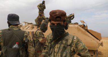 المرصد: الجيش السورى يستقدم أسلحة ثقيلة ودبابات إلى ريف درعا