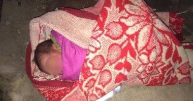 المتهمة بالتسبب في وفاة طفلها بشبرا الخيمة.. اتخنق وأنا برضعه وافتكرته مات