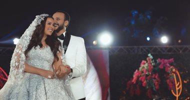 """هنادى مهنا تقتحم عالم الغناء وتهدى زوجها أحمد خالد صالح """"أول كلام"""".. فيديو"""