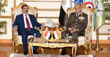 وزير الدفاع يلتقى نظيره العراقى خلال زيارته الرسمية لمصر.. فيديو وصور