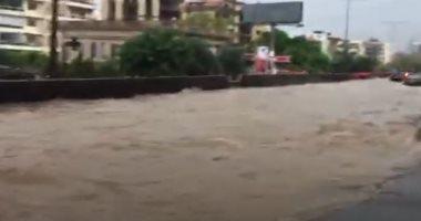 السعودية نيوز |                                              الأمطار الغزيرة تغرق شوارع لبنان من جديد.. فيديو وصور