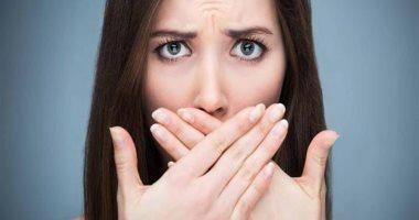 4 حلول ووصفات طبيعية من داخل مطبخك للتخلص من رائحة الفم الكريهة