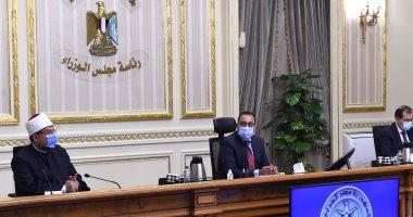صور.. رئيس الوزراء: تكليف من الرئيس بتطوير المنطقة الجغرافية لشركات البترول بمسطرد