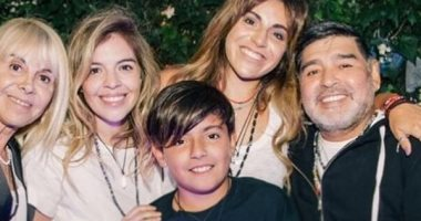 صحيفة إسبانية تكشف موافقة بنات مارادونا على مغادرته المستشفى قبل استكمال العلاج