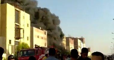السيطرة على حريق الروبيكى بـ20 سيارة إطفاء.. وإصابة 12 عاملا بحروق واختناقات