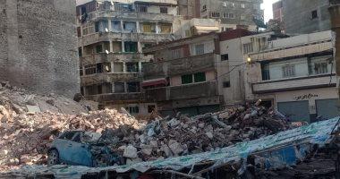 شاهد لحظة انهيار عقار محرم بك فى الإسكندرية.. فيديو وصور