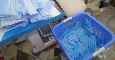 صورة ضبط 3 مصانع مخالفة لإنتاج الكمامات ومخلفات البلاستيك بالقناطر الخيرية