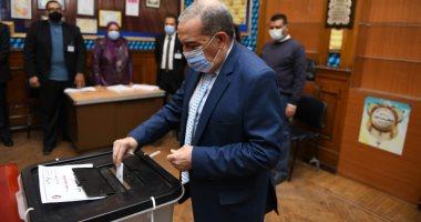 السعودية نيوز |                                              وزير الإنتاج الحربى يدلى بصوته بجولة بإعادة انتخابات النواب بمصر الجديدة