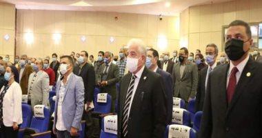 محافظ جنوب سيناء يجتمع بالمجموعة الاقتصادية لمتابعة الموقف المالى للمشروعات