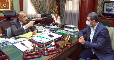 """رئيس جهاز الإحصاء لـ""""اليوم السابع"""": ثقافة """"العزوة"""" أحد أسباب الفقر فى مصر"""