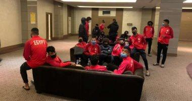 هل يجرى توفير طائرة خاصة لإعادة لاعبى المنتخب من تونس بعد إصابتهم بكورونا؟