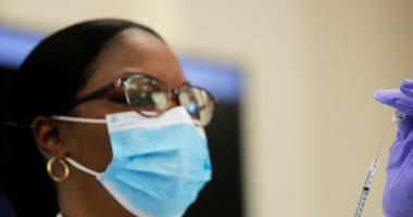 وزير صحة جنوب افريقيا يعلن اكتشاف سلالة جديدة من كورونا