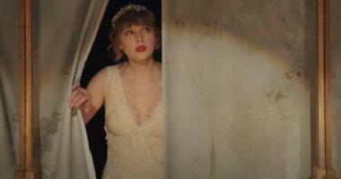 تايلور سويف تتصدر قائمة Billboard 200 بألبومها الغنائى Evermore