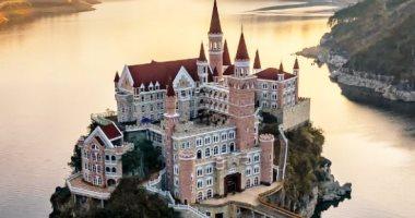 """فندق خيالى فى الصين يشبه قلاع العصور الوسطى.. اعرف حكايته """"صور"""""""
