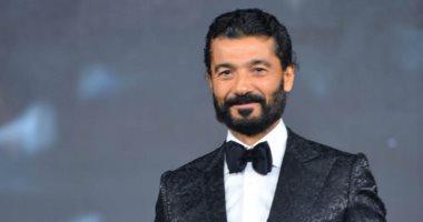 السعودية نيوز |                                              خالد النبوى يهدى جائزة أفضل ممثل سينما من دير حيست للراحل محمود ياسين