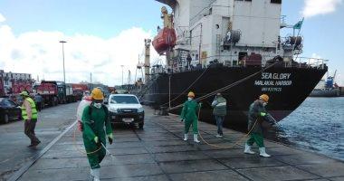 الحكومة تنفى تلوث ميناء الإسكندرية نتيجة تسرب بقع زيتية من السفن الضخمة