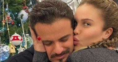 السعودية نيوز |                                              نيكول سابا تحتفل بعيد زواجها التاسع من يوسف الخال بصور رومانسية