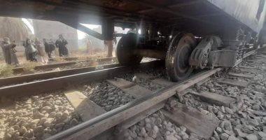 توقف قطار القاهرة - مطروح بسبب عبور سيارة من منفذ غير شرعى