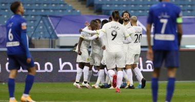 السعودية نيوز |                                              الاتحاد يتفوق على الهلال 1-0 بالشوط الأول لكلاسيكو السعودية بمشاركة حجازى