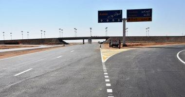 صورة كاميرات مراقبة بمحيط التحويلات المرورية الخاصة بأعمال تطوير الطريق الصحراوى