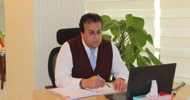 وزير التعليم العالى يكشف موعد الدراسة بالجامعات وحقيقة استبدال الامتحانات بأبحاث