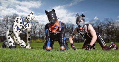 """سر ظاهرة """"الكلاب البشرية""""فى أوروبا.. عددهم وصل لـ 10 آلاف فى بريطانيا فقط"""