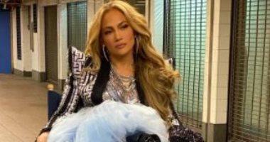 السعودية نيوز |                                              جنيفر لوبيز تودع 2020 بجلسة تصوير جديدة فى مترو أنفاق نيويورك