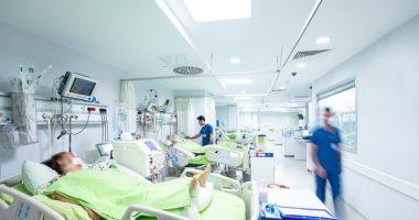 الصحة تلزم العيادات والمستشفيات الخاصة بالإبلاغ عن حالات كورونا المترددة عليها.. وتؤكد: فرق للتأكد من تطبيق بروتوكولات التشخيص والعلاج  للمرضى بالمستشفيات.. تكثيف مرور العلاج الحر على المستشفيات الخاصة
