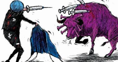 السعودية نيوز |                                              كاريكاتير صحيفة سعودية يرصد مصارعة الفيروس ضد اللقاح
