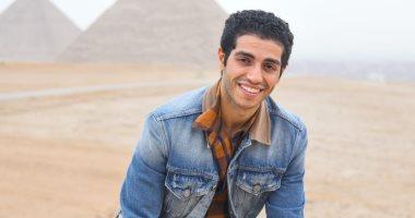 """8 رسائل للفنان مينا مسعود بطل فيلم """"علاء الدين"""" عن مصر والأهرامات.. اعرف قال إيه"""