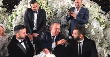 أحمد فهمى وهشام ماجد وأكرم حسنى ونجوم الغناء فى حفل زفاف نادر حمدى.. صور