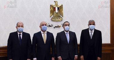 رئيس الحكومة يشهد توقيع عقد بيع 5 آلاف فدان لإقامة مجتمع عمرانى بحدائق العاصمة