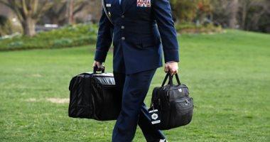 يحدث لأول مرة.. رئيس أمريكا المنتهية ولايته لن يسلم الحقيبة النووية لخلفه المنتخب