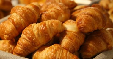 Learn how to make croissants in simple steps for your children's breakfast at school