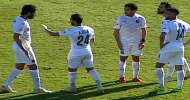خناقة بين عبد الله السعيد وعلى جبر بسبب هدف مصطفى فتحى فى مرمى بيراميدز.. فيديو