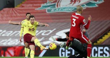 صورة ليفربول ضد بيرنلى.. صحف إنجلترا تنصب محاكمة للريدز بعد الخسارة التاريخية الثانية