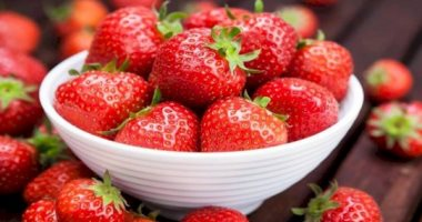 4 foods that will help you get fresh and youthful skin, most notably berries