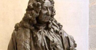 لندن تتخلص من تمثالين لاثنين من رموز تجارة الرقيق.. اعرف التفاصيل