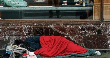 فقير فى شوارع مدريد